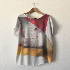 🎈FREE! Zara graphic T-shirt blouse size large